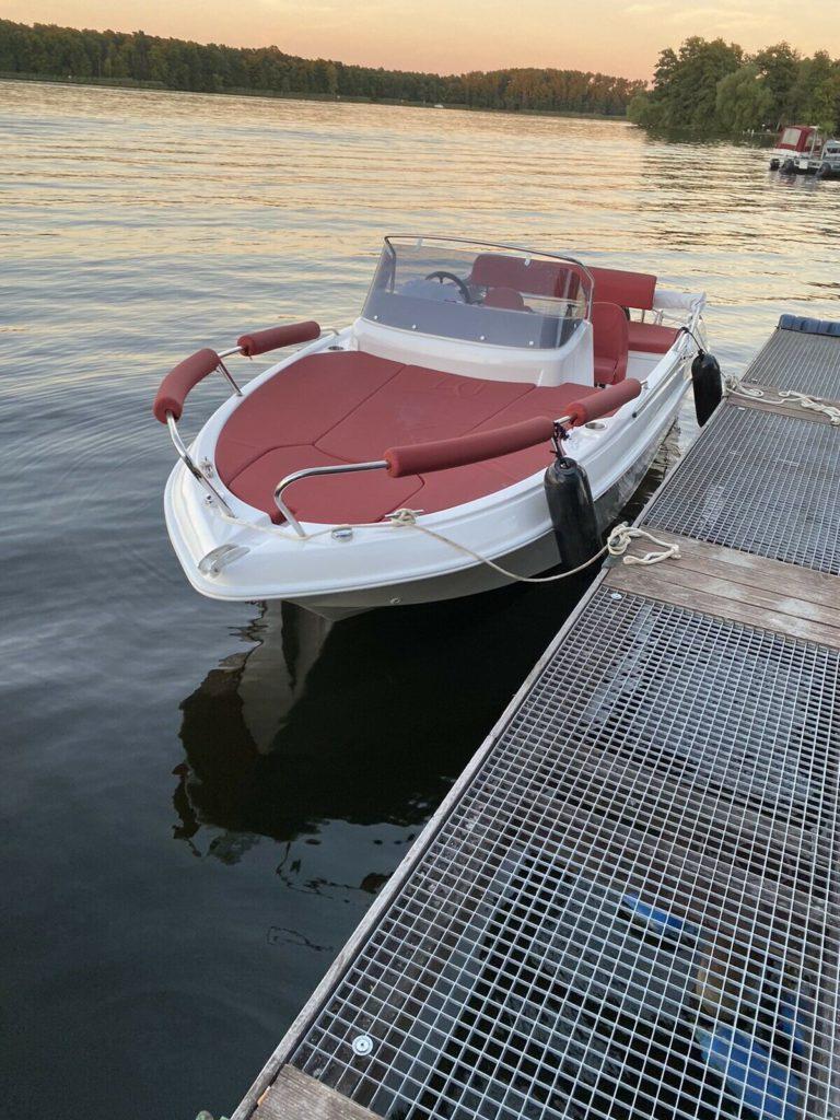 Motorboot 4