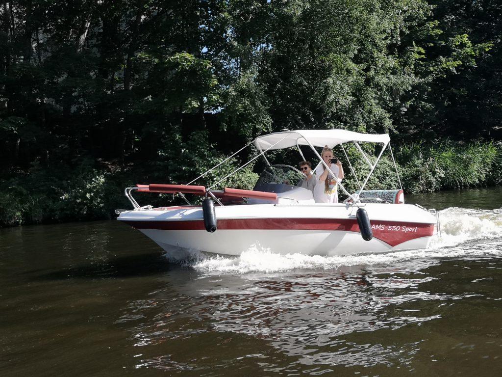 Motorboot1